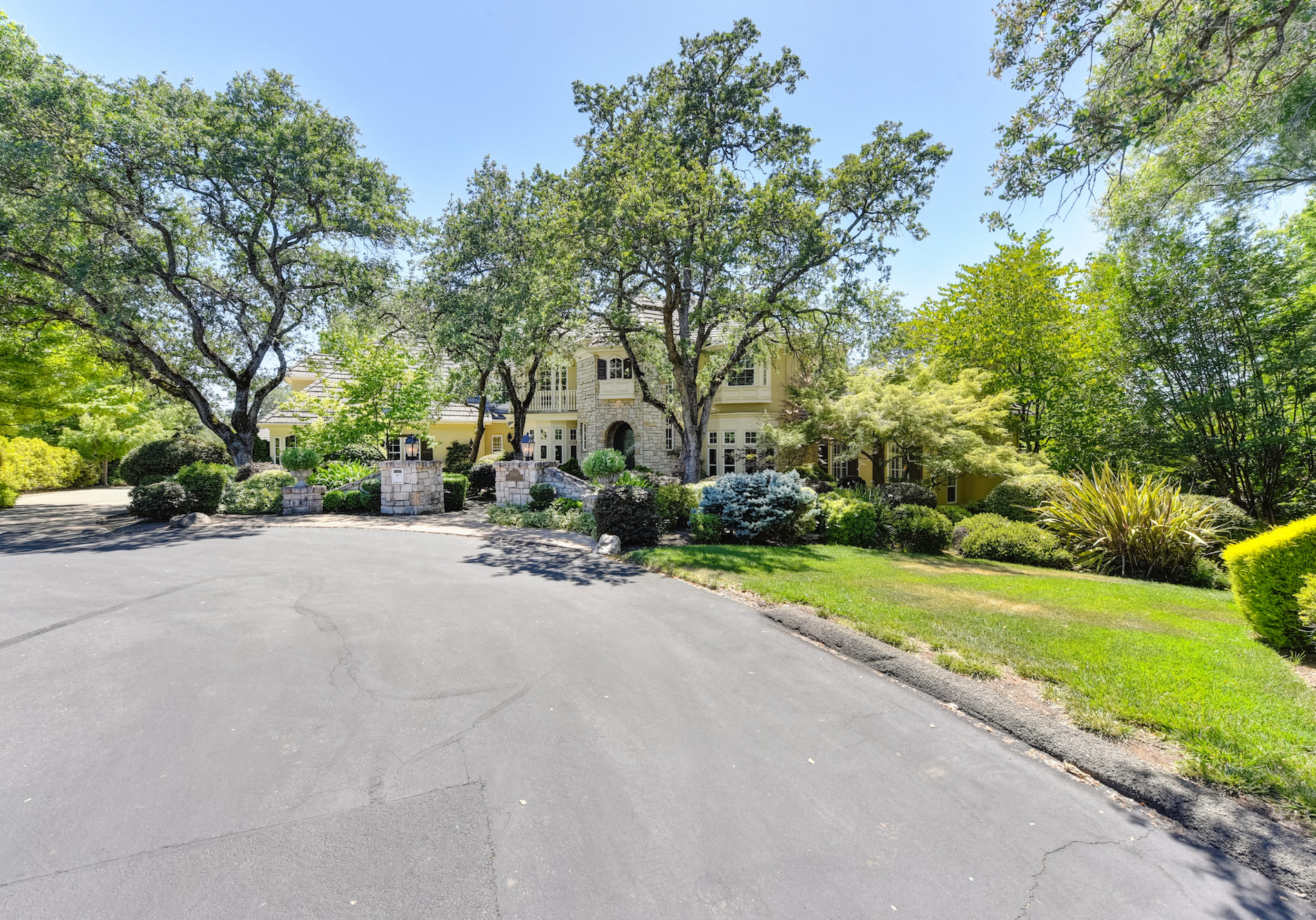 5030 Waverly Court-1-WEB