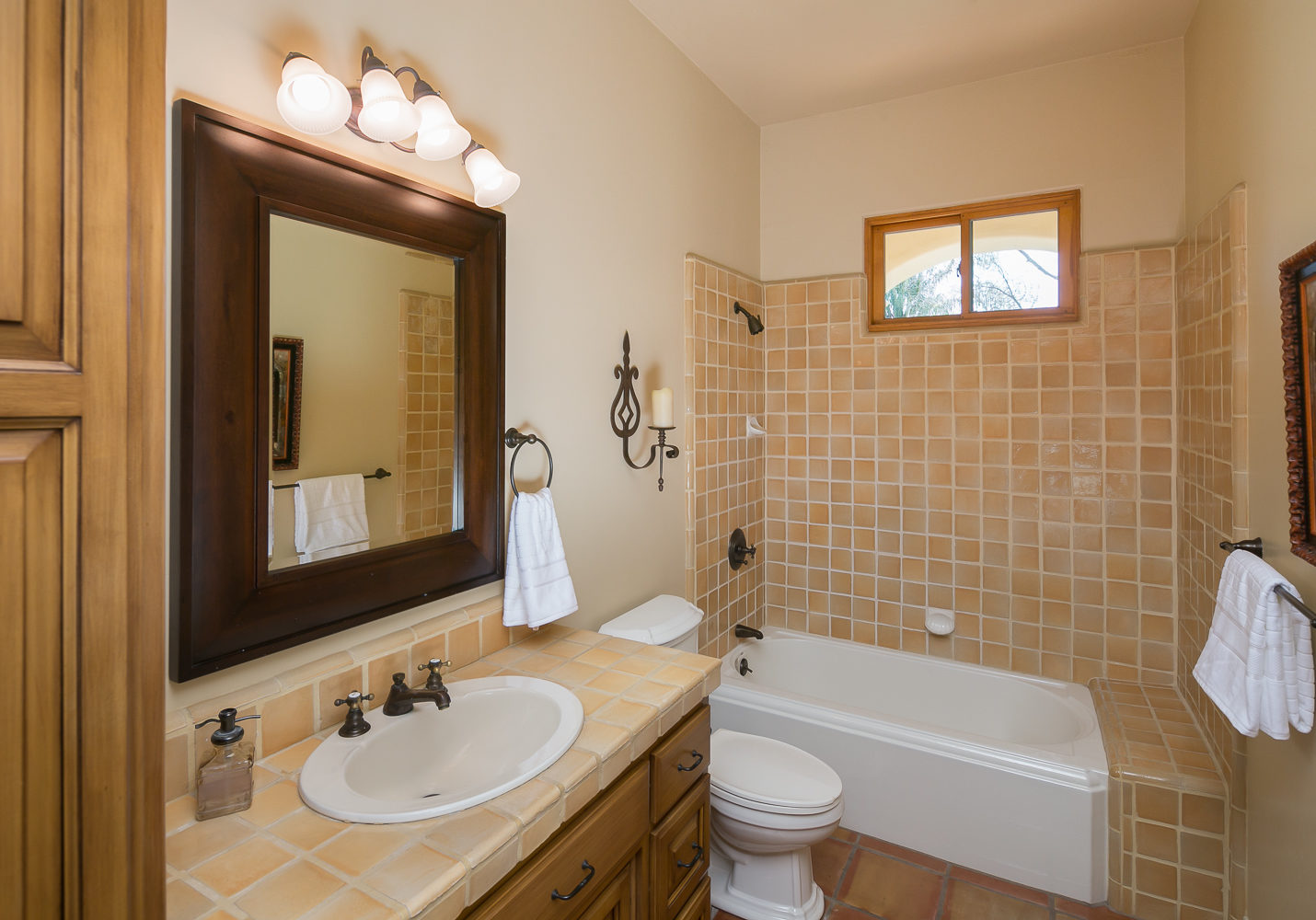 5856_GRANITEHILLS-172-Edit-MLS-WEB